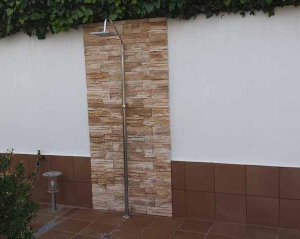 Reconstrucción ducha de piscina Calafell