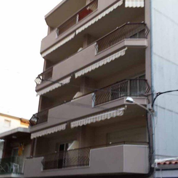 Reconstrucción de fachadas en Calafell